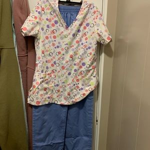 Ladies scrubs xsmall shirt small pants